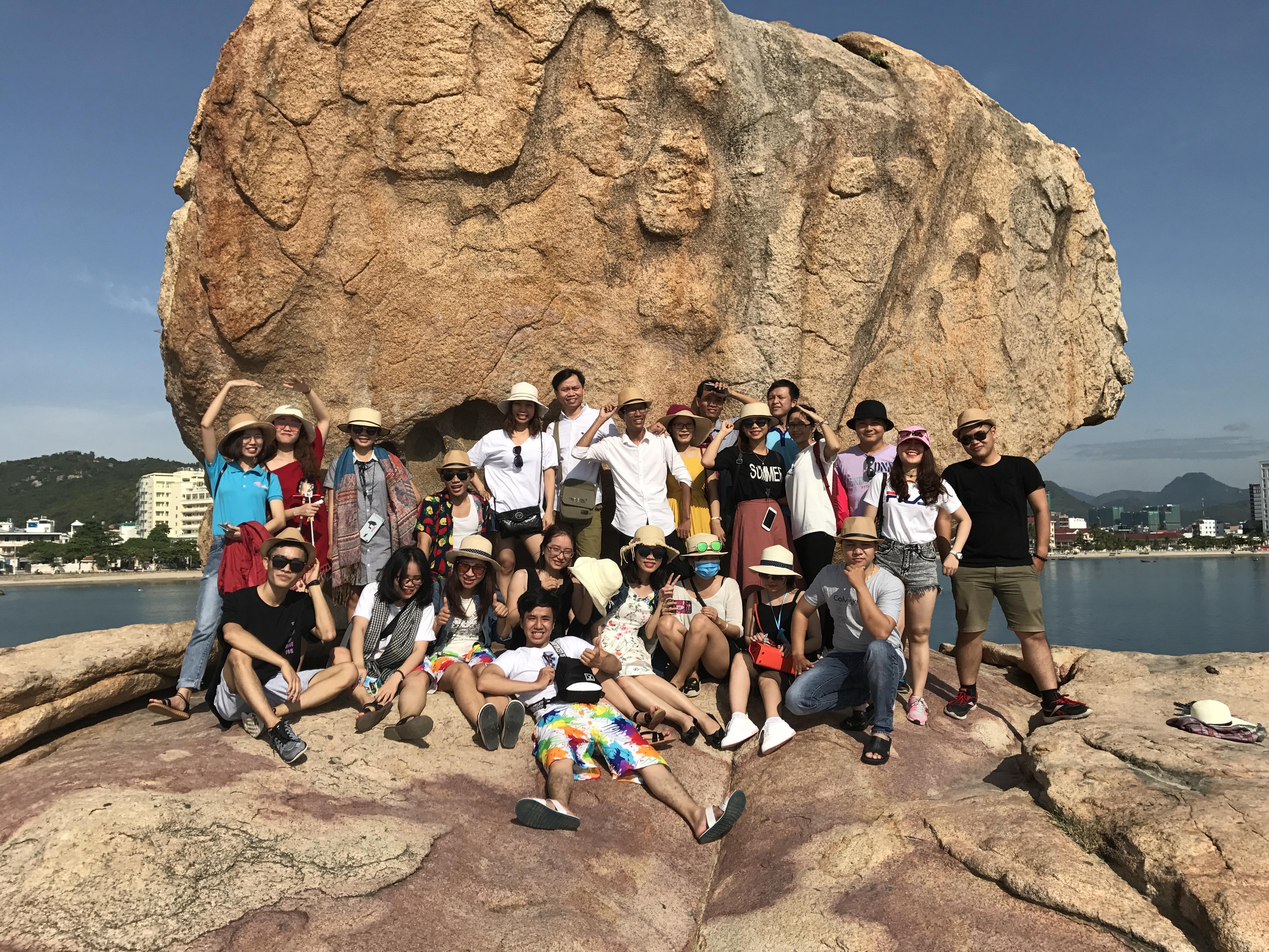hon-chong-nha-trang-vrm-travel