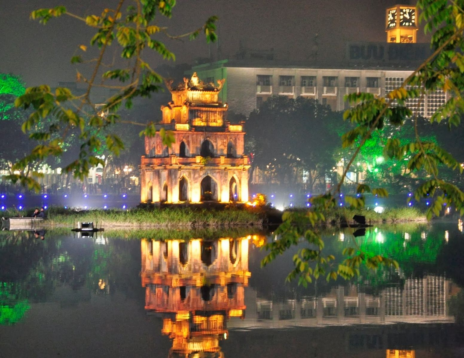 ha noi ve dem